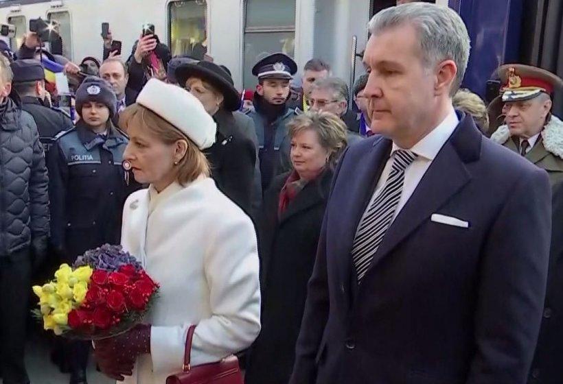 CENTENARUL MARII UNIRI. Familia Regală, primită cu aplauze la Alba Iulia