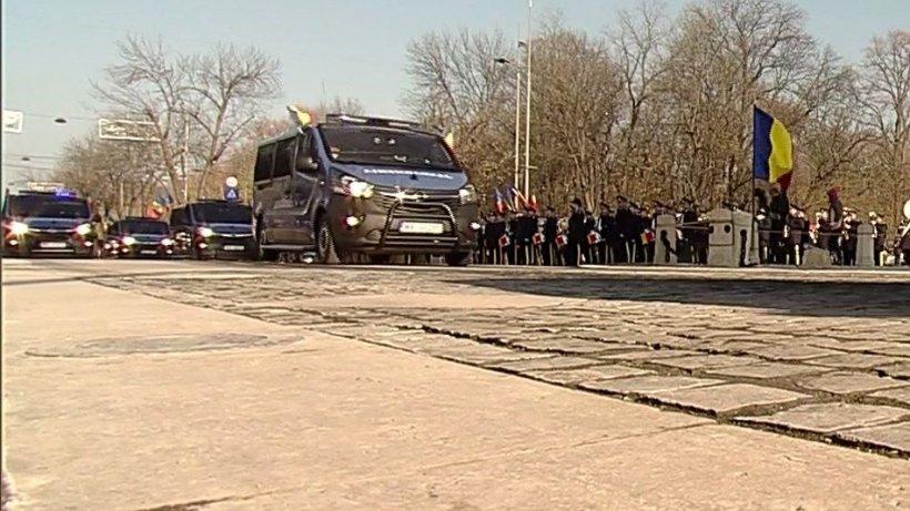Incident la Parada Militară. Jandarmeria, huiduită în timpul defilării