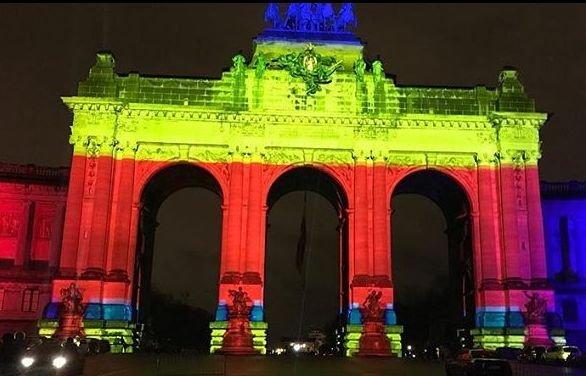Unirea românilor, sărbătorită în toată lumea. Clădiri emblematice din diferite orașe au fost luminate în culorile naționale românești 16