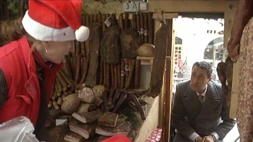 Carne depozitată pe jos, produse fără etichetă şi preţuri afişate incorect, la Târgul de Crăciun din Braşov