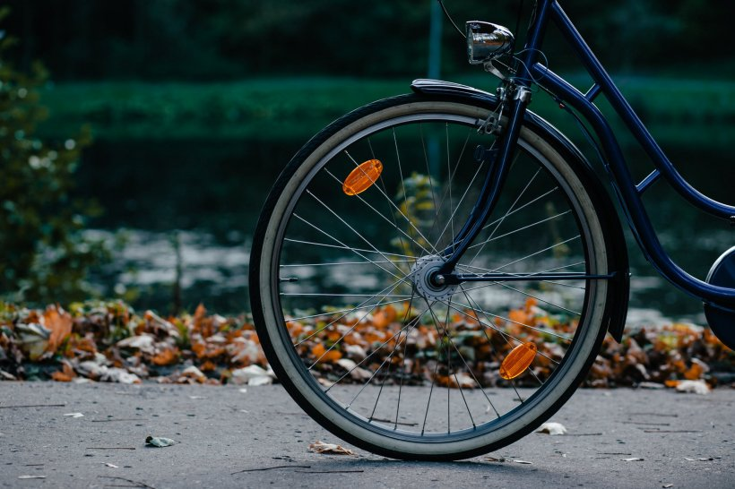 Accident grav pe Șoseaua Bucureşti-Târgovişte. Un biciclist a murit