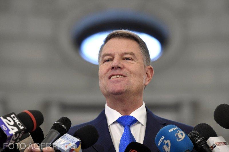 Boștinaru: Iohannis are un zâmbet de mitralieră 817