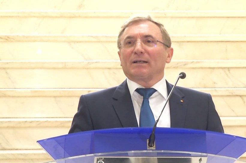 Curtea de Apel Bucureşti şi-a declinat competenţa în favoarea Curţii de Apel Alba Iulia, în dosarul revocării lui Augustin Lazăr 16