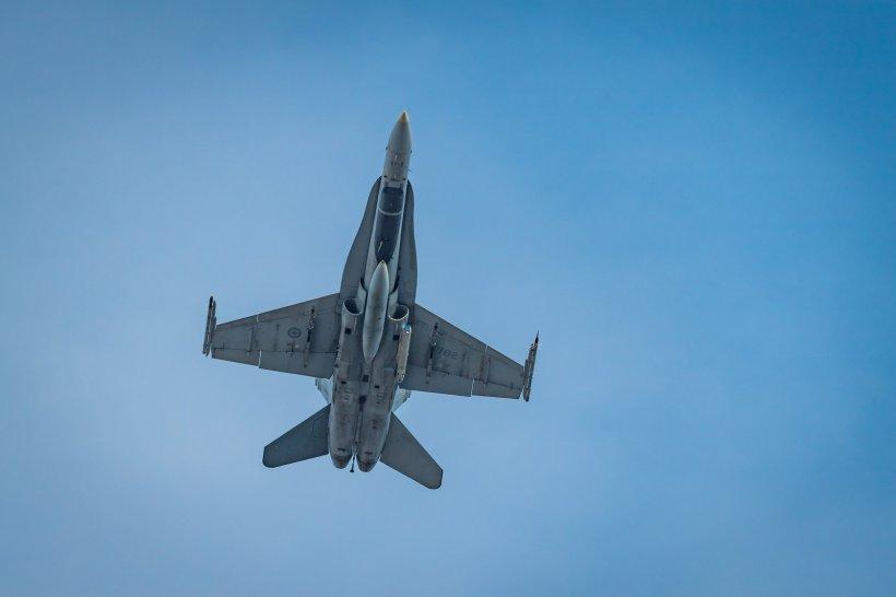 Rusia trimite avioane de vânătoare în Crimeea