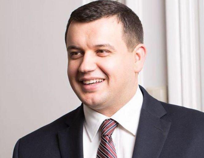 Un parlamentar român a anunțat că renunță la pensia specială de 5.000 de lei, pe care o primește lunar