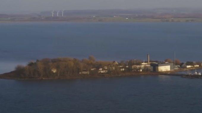 Țara europeană care va ducecriminaliipe o insulă de doar şapte kilometri pătraţi - VIDEO
