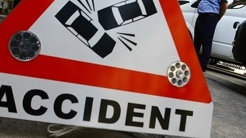Un tânăr a lovit cu maşina alte şapte autoturisme pe Calea Giuleşti din Capitală
