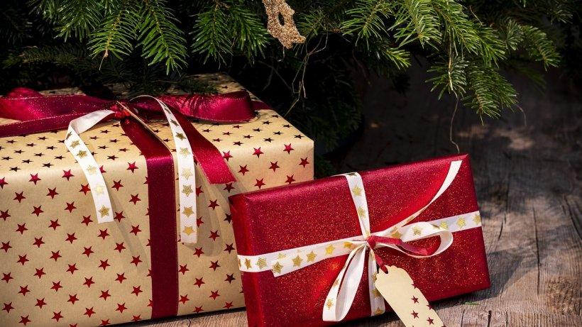 Câți bani scot din buzunare românii pentru cadourile de Crăciun