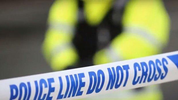 Bărbat înjunghiat pe o stradă din Londra. Doi adolescenți au fost arestați
