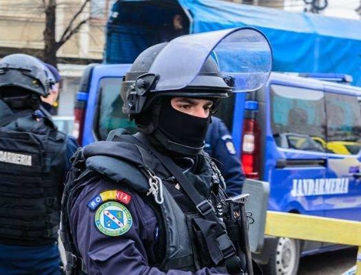 Jandarmii au luat cu asalt Complexul Europa din Capitală. Ce au găsit acolo