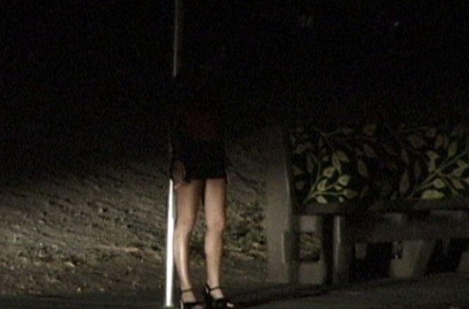 Caz şocant de exploatare sexuală. O româncă a fost drogată, răpită şi vândută în Italia pentru a se prostitua