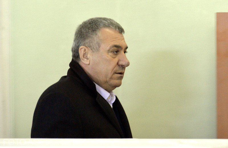Victor Becali, internat de urgență la spital