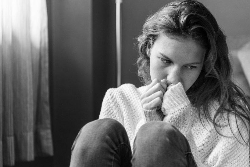 """""""Am aflat că m-a înșelat. De atunci fumez și plâng întruna. Aseara am primit un mesaj și..."""" Așa a început coșmarul vieții mele"""