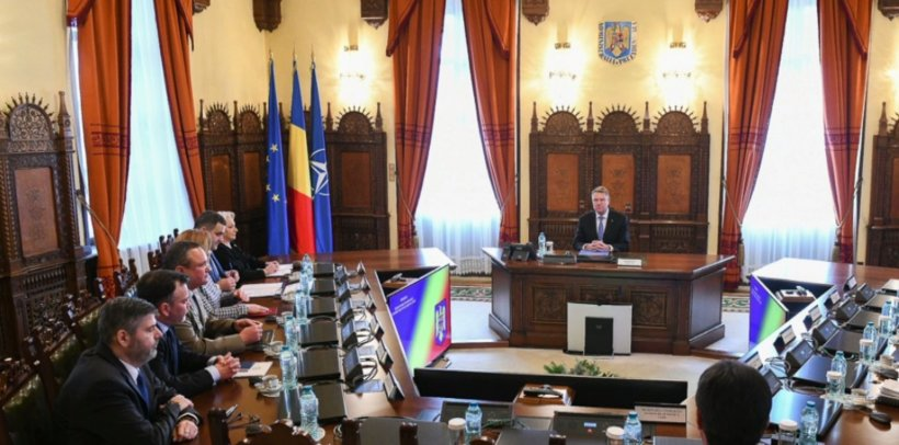 Klaus Iohannis și Viorica Dăncilă, față în față la ședința CSAT 16