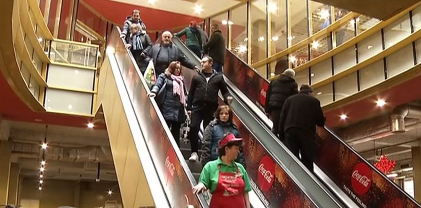 Revelionul îi prinde pe români tot la cumpărături