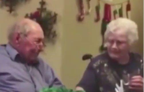 Soția sa și-a pierdut inelul de logodnă și verigheta și nu se consolase deloc cu ideea. Într-o zi, ceva uluitor s-a întâmplat (VIDEO)