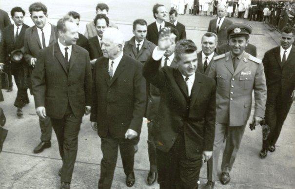 Ceaușescu nu avea niciodată bani la el și nici buletinul. Ce nu-i lipsea, totuși, din buzunare când pleca undeva