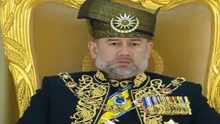Regele Malaeziei a abdicat să se însoare cu Miss Rusia 2015