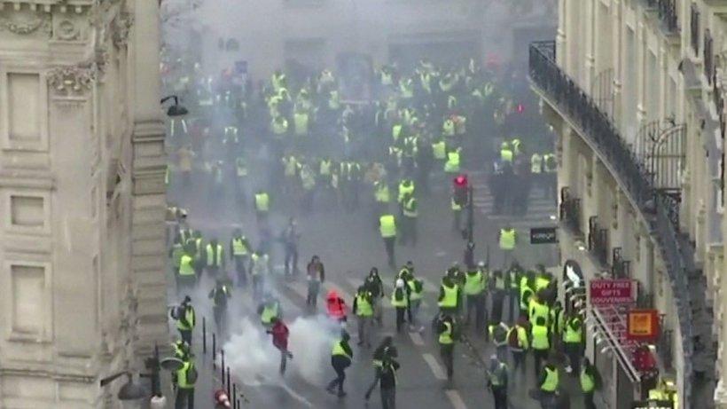 Franța sancționează dur protestele neautorizate