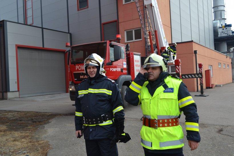 Incendiu puternic la un azil de bătrâni din Suceava. Planul Roșu de intervenție a fost activat