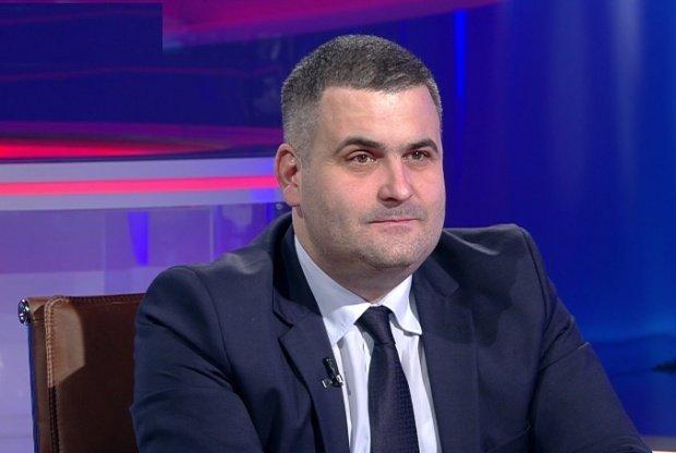 Ministrul Apărării, plângere pentru Klaus Iohannis