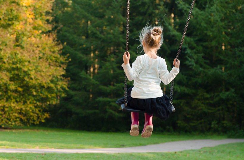O fetiță de 10 ani și-a luat viața. Explicația halucinantă lăsată în biletul de adio