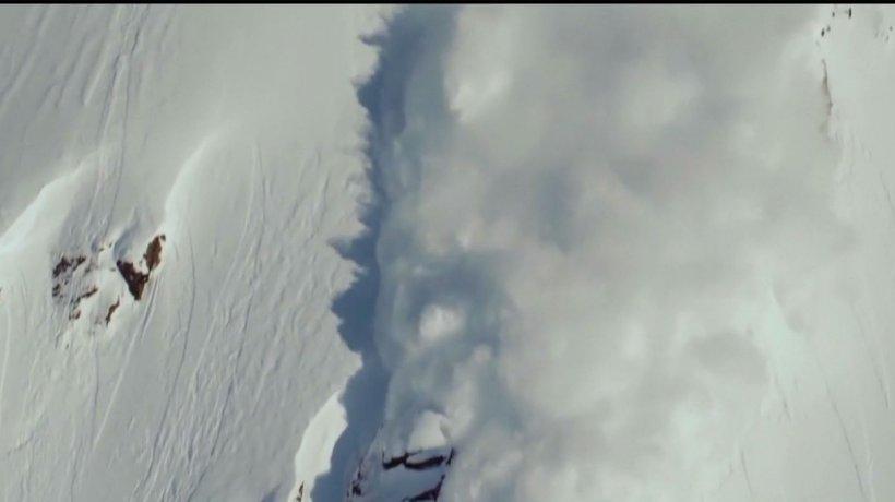 Pericol de avalanşă în toţi munţii ţării. Avertismentul transmis de preşedintele Salvamont România