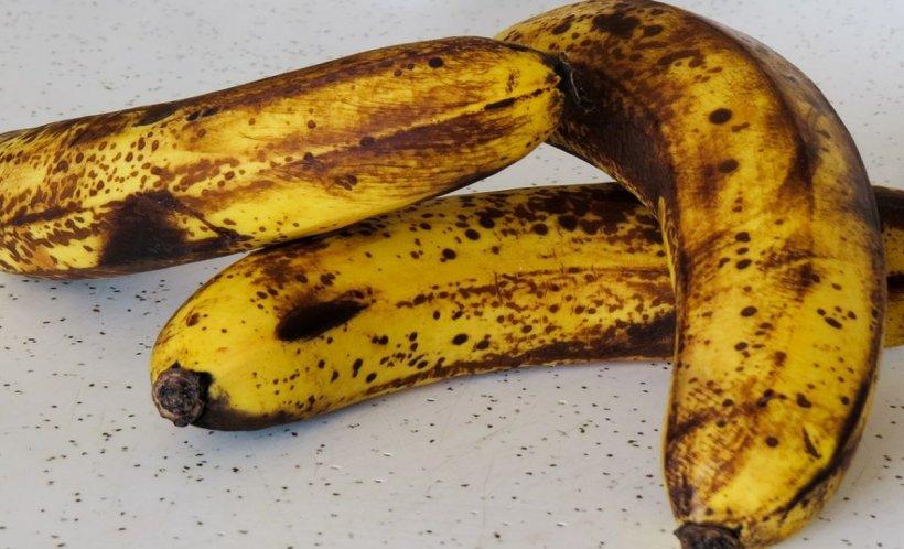 Ce se întâmplă în corpul tău atunci când mănânci banane cu coaja neagră