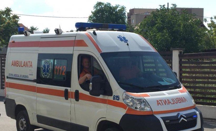 """Mesajul unui asistent medical de pe ambulanță: """"Sunteți pregătiți să trăiți cu gândul că cineva a murit pentru că voi ați vrut să nu stați la coadă"""""""