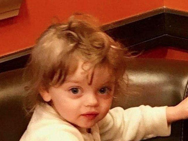 """O fetiţă de doi ani a fost găsită moartă în zăpadă, în grădina casei! Este îngrozitor ce păţise: """"Speram să fie o păpușă...!"""""""
