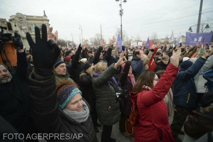 Mii de persoane au protestat la Budapesta împotriva legii care modifică regimul orelor suplimentare