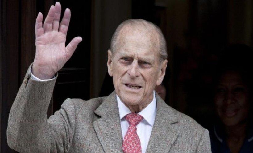 Prințul Philip nu și-a cerut scuze pentru accidentul provocat și a fost prins de poliție fără centura de siguranță