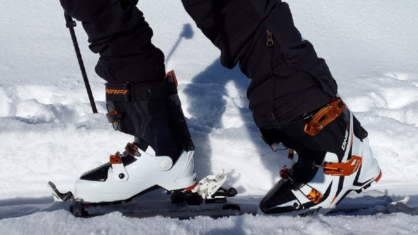 """Cum au fost surprinși câțiva români la schi în Bulgaria. """"Tai-o de aici că ne facem de râs!"""""""