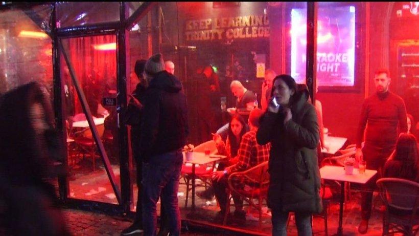 Imagini cu camera ascunsă! În cluburile din Centrul Vechi al Capitalei se fumează ilegal - VIDEO