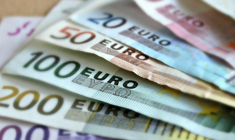 CURS VALUTAR. Euro se îndreaptă în viteză spre 4,80 lei