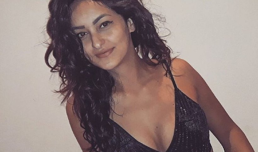 Cristina are 21 de ani, e incredibil de frumoasă și e o handbalistă de succes. Acum puțin timp a descoperit ceva bizar în corpul său, la un simplu control medical. După câteva zile, doctorii i-au dat o veste fantastică