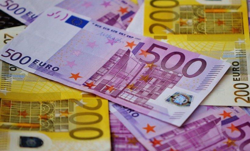 Cursul valutar: Euro se vinde şi cu peste 4,85 lei la băncile comerciale
