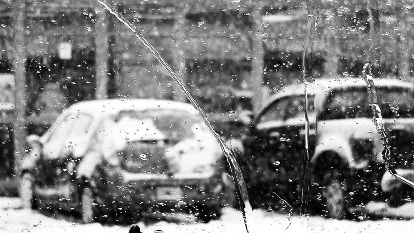 Fenomenul periculos care a pus stăpânire pe Capitală, joi dimineaţă. Sunt probleme în trafic