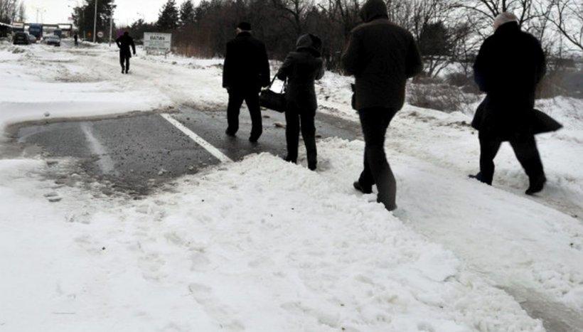Vreme severă în toată țara. Circulaţie închisă pe mai multe drumuri naţionale