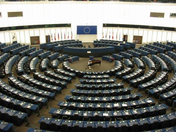 Tensiuni mari în partide pentru europarlamentare
