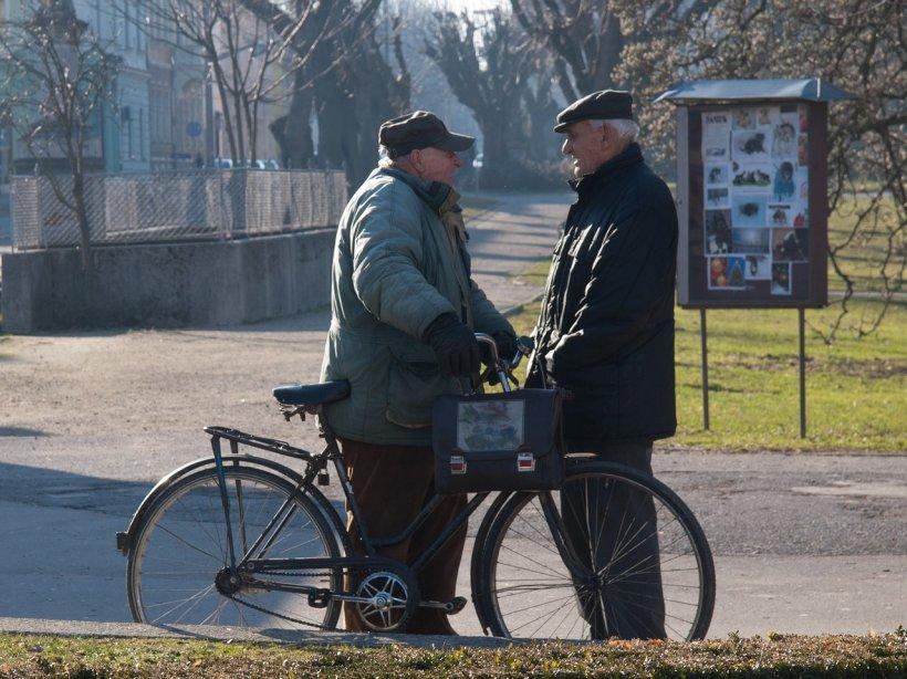Veste proastă pentru unii pensionari! Îşi pot pierde dreptul la pensie. Ce categorii sunt vizate