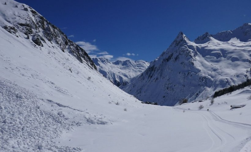 Turiști salvați de pe munte în ultimul moment
