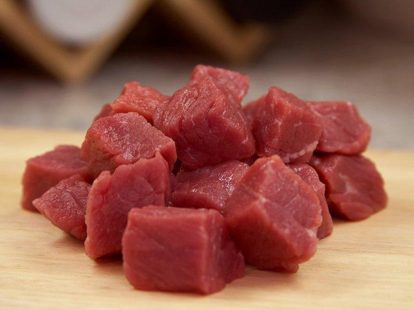 Alertă în magazine! Carne de la animale bolnave a ajuns pe rafturi