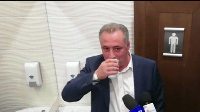 Directorul adjunct Apa Nova a băut apă de la robinet: Chiar îmi era sete! (VIDEO)