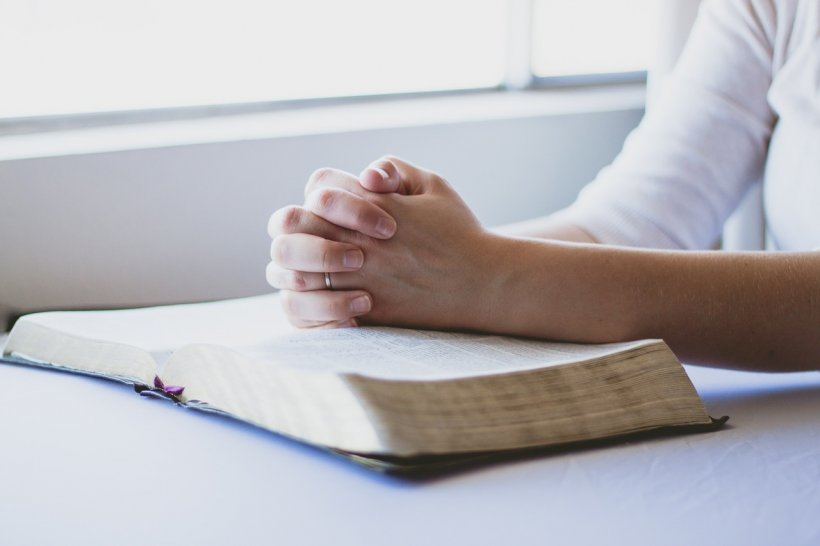 Rugăciunea puternică pe care trebuie s-o rostești doar vinerea, la aceeași oră. Se spune că face minuni