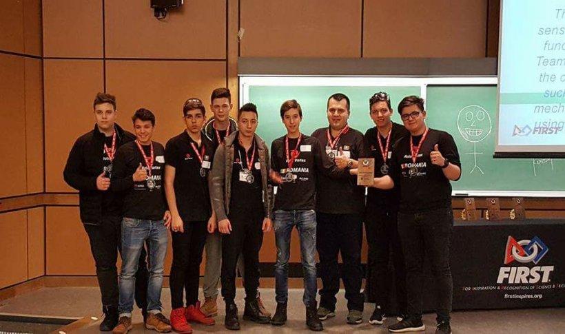 Tineri din România au câștigat finala Campionatului de Robotică din Coreea de Sud