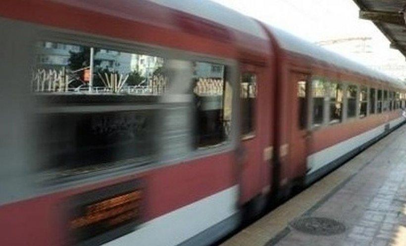 Scene scandaloase pe peronul gării din Buzău!Un bărbat și-a bătut nevasta până a lăsat-o inconștientă