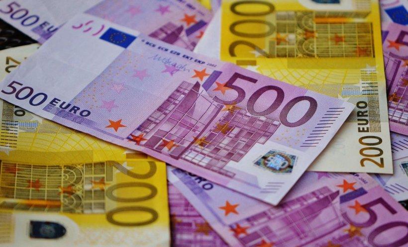 CURS VALUTAR. Euro, în continuă creștere. Moneda, aproape de 4,76 lei