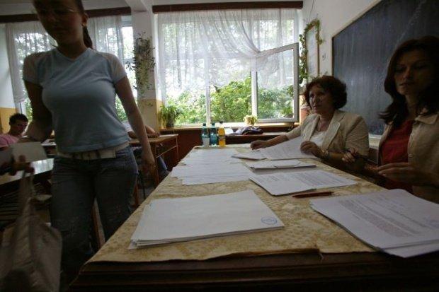 Scandal uriaș în Brașov. Trei licee de elită sunt acuzate de discriminare