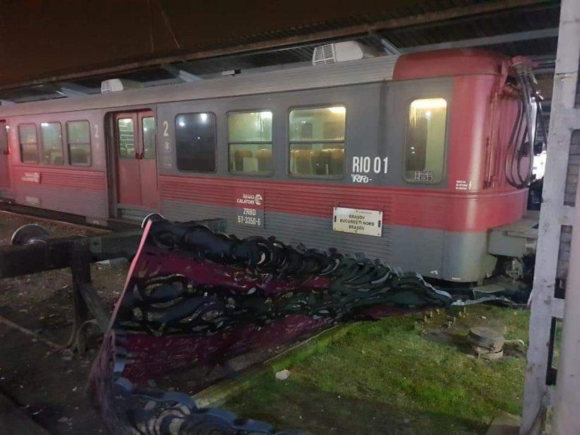 Pericol de explozie în Caraș-Severin. Un tren cu substanțe periculoase a deraiat de pe șine. Pompierii s-au deplasat de urgență